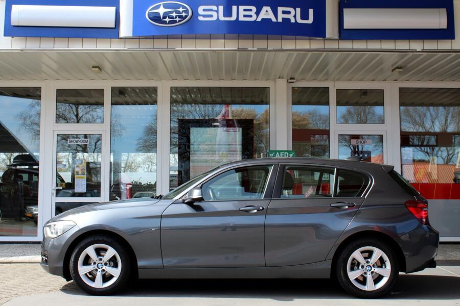 BMW 1-serie 116d Executive * Navigatie * Sportstoelen * Xenon * Parkeersensoren