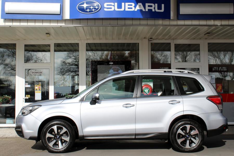 Subaru Forester 2.0 CVT Luxury Plus * 23242 km * Trekhaak * BI-LED *