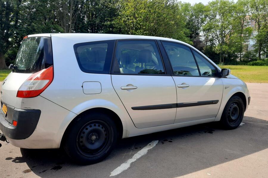 Renault Grand Scenic 2.0-16V 7p LPG.