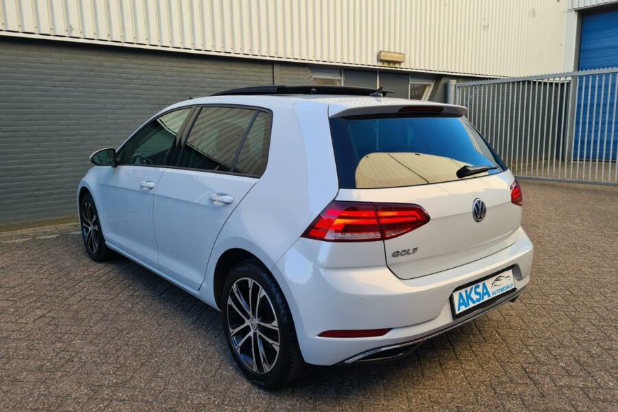 Volkswagen Golf 2.0 TDI Highline   Pano   DSG   17inch   LED