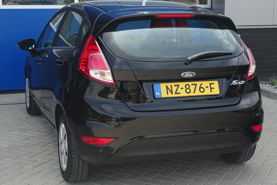 Ford Fiesta 1.5 TDCi Style Ultimate Lease Edition, NL, PDC