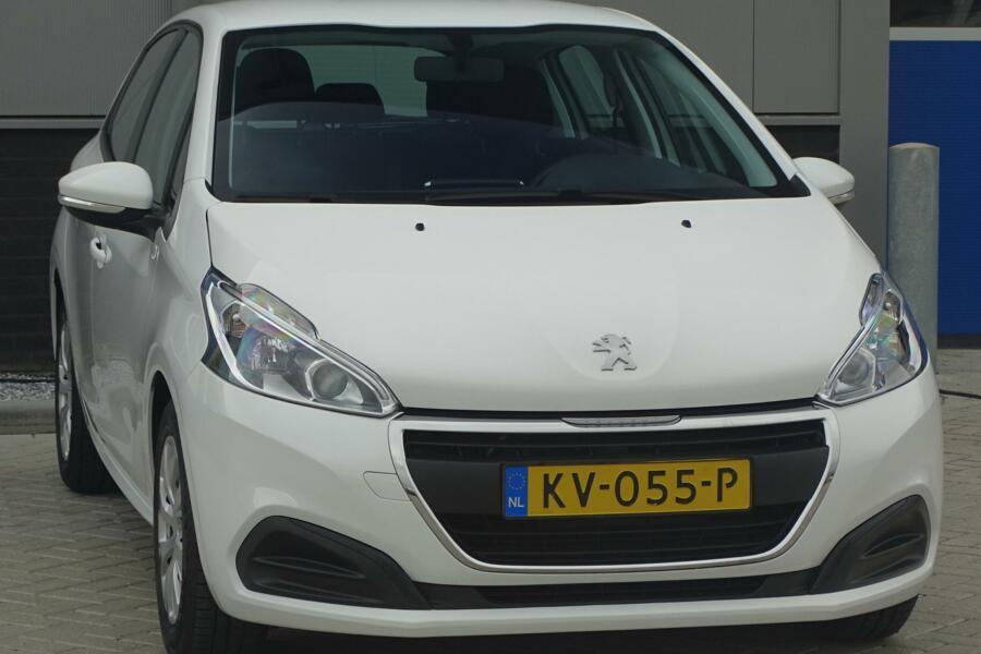 Peugeot 208 1.6 BlueHDi Active, CarPlay, LED, cruise, navi