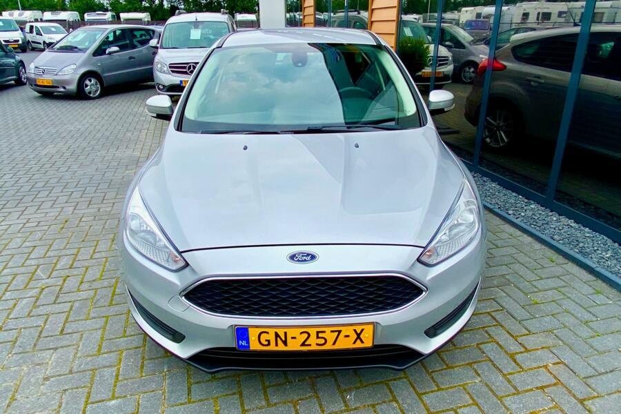 Ford Focus Edition 83866 KM Navigatie,Airco