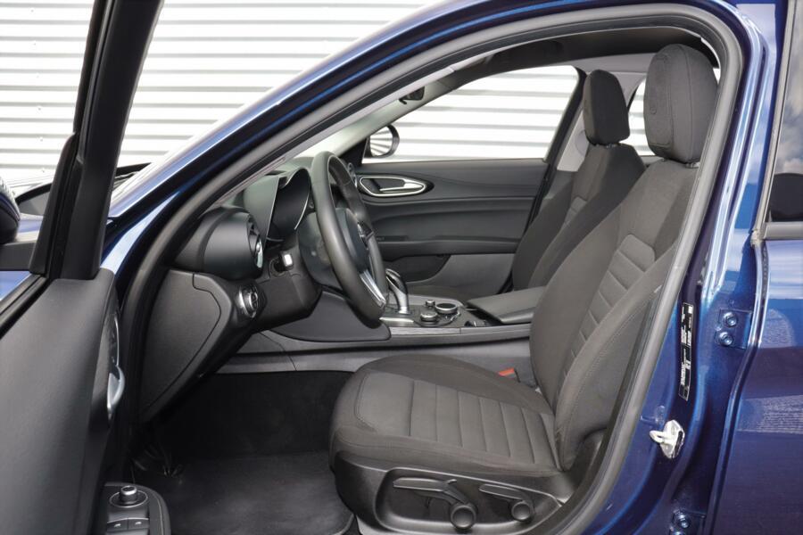 Alfa Romeo Giulia 2.0T 200PK | 1e Eig.! | Climate | Navi | ZONDAGS OPEN!