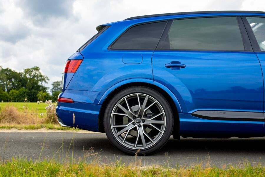 "Audi SQ7 4.0 TDI|Grijs kenteken|rolstabi|volleder|pano|22"""
