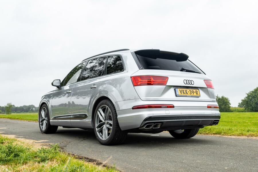 Audi SQ7 4.0 TDI quattro|pano|head up|trekhaak|grijs kenteken