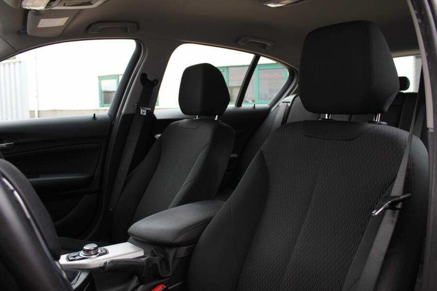 BMW 1-serie 118i EDE Executive /LED/NAVI/CRUISE/STOELVERW./BLUETOOTH/PDC!