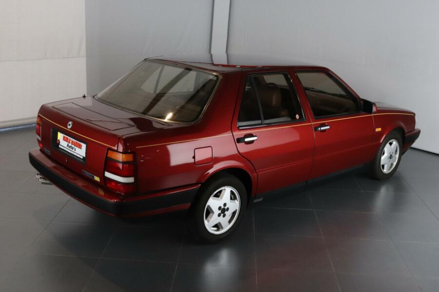 Lancia Thema 3.0 8.32 Ferrari