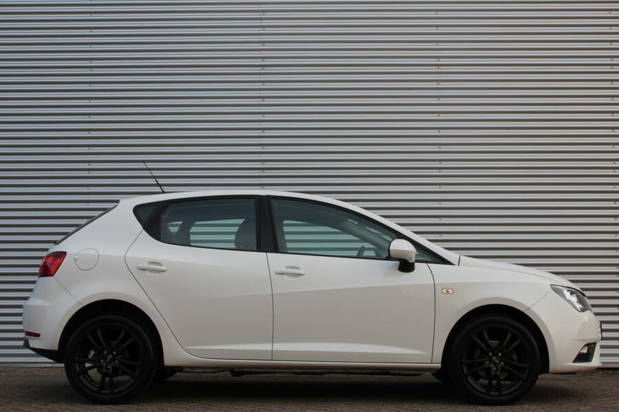 Seat Ibiza 1.2 TSI Style Black&White /CLIMATE/CRUISE/16 INCH/ELEK. PAKKET!