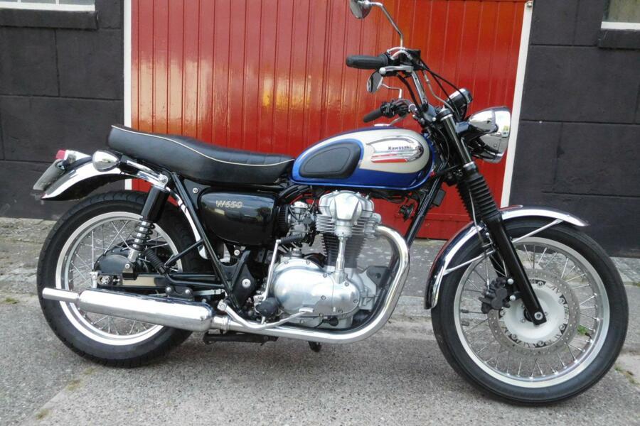 Kawasaki W 650 - 2004 met slechts 14.250 KM