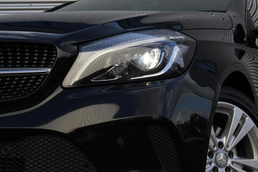 Mercedes A-klasse 160 Urban Automaat /XENON/LED/NAVI/CARPLAY/STOELVERW./PDC V+A/CRUISE!