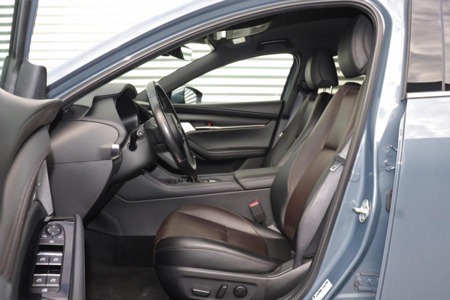Mazda 3 2.0 SkyActiv-G 122 GT-M Luxury | Leer | Navi | ZONDAGS OPEN!