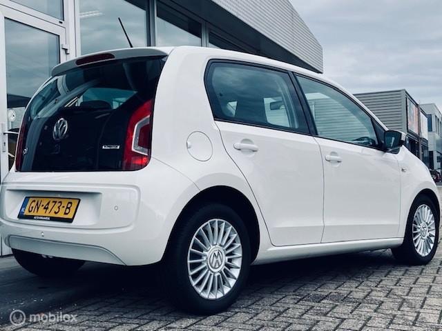 Volkswagen Up! 1.0 high up! Airco, Navi, PDC, Bluetooth!