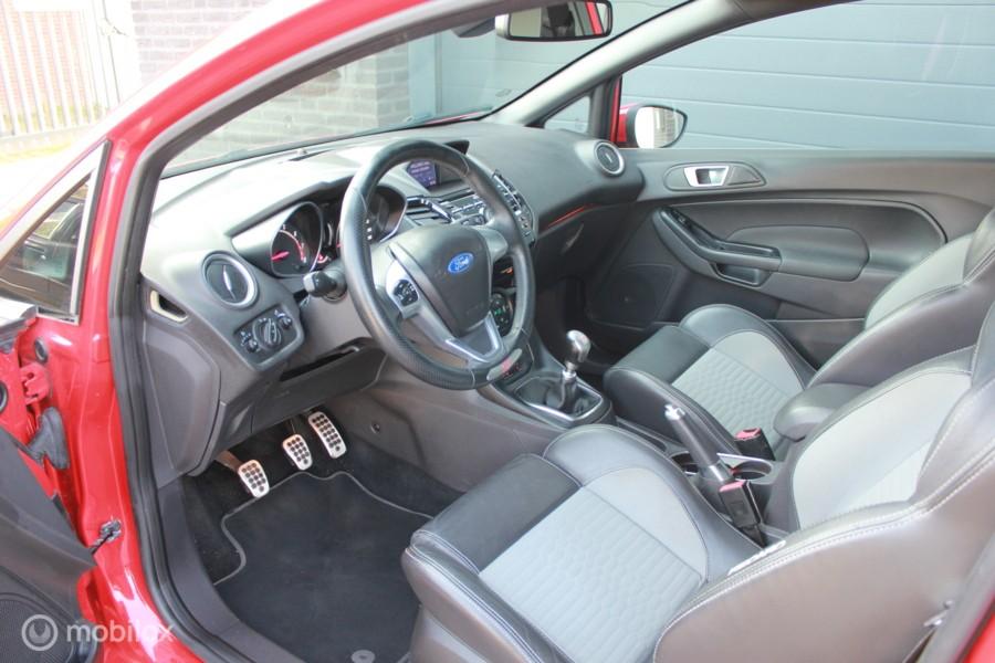 Ford Fiesta 1.6 ST2/navi/keyless/leder/cruise/airco/vol/vol