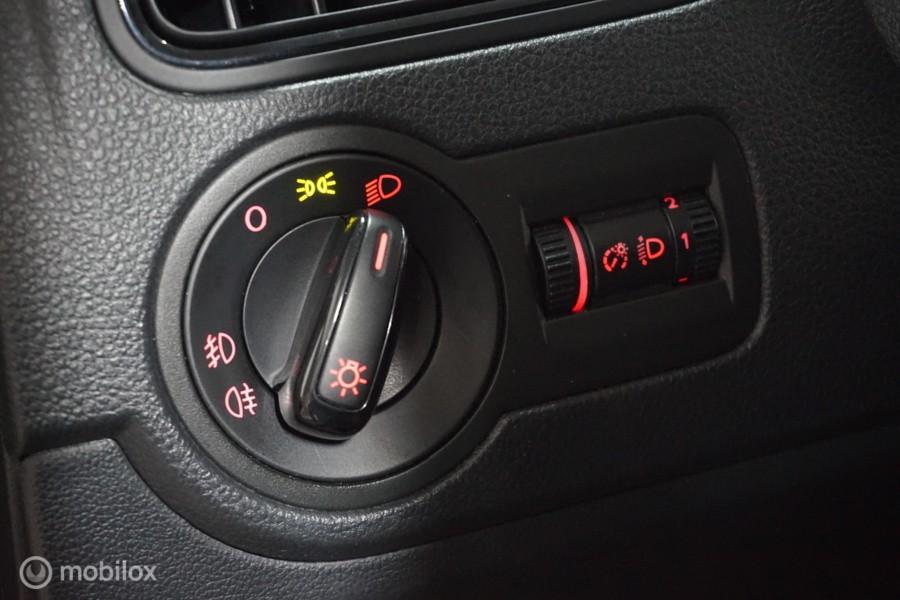 Volkswagen Polo 1.2 STYLE !  NAVI LEER CRUISE PDC WIFI APPSTORE STOELVERW 5 DEURS VELGEN