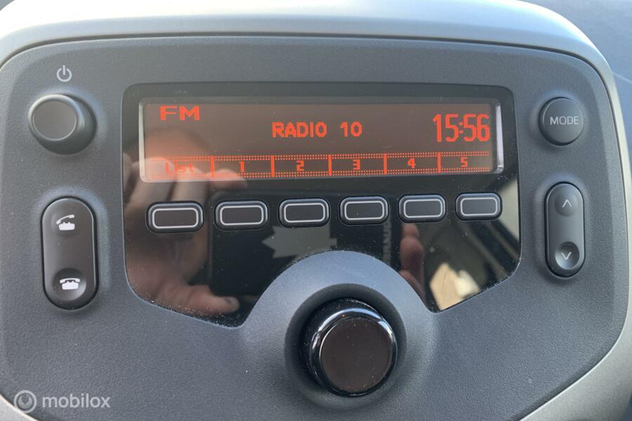 Peugeot 108 1.0 e-VTi  4673 KM !!! AIRCO 3-DRS
