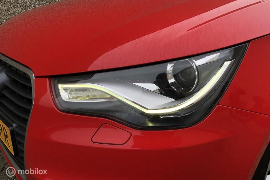 Audi A1  1.2 TFSI Attraction Led Xenon Airco Nieuwe Apk