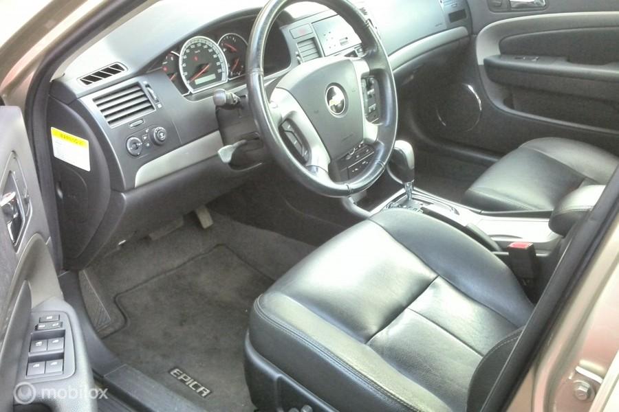 Chevrolet Epica 2.5i Executive km143000 ticking in de motor