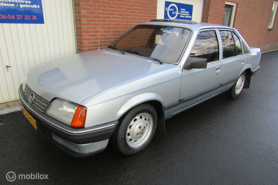 Opel Rekord 2.0 S Luxus met automaat, schuifdak ,apk ,etc