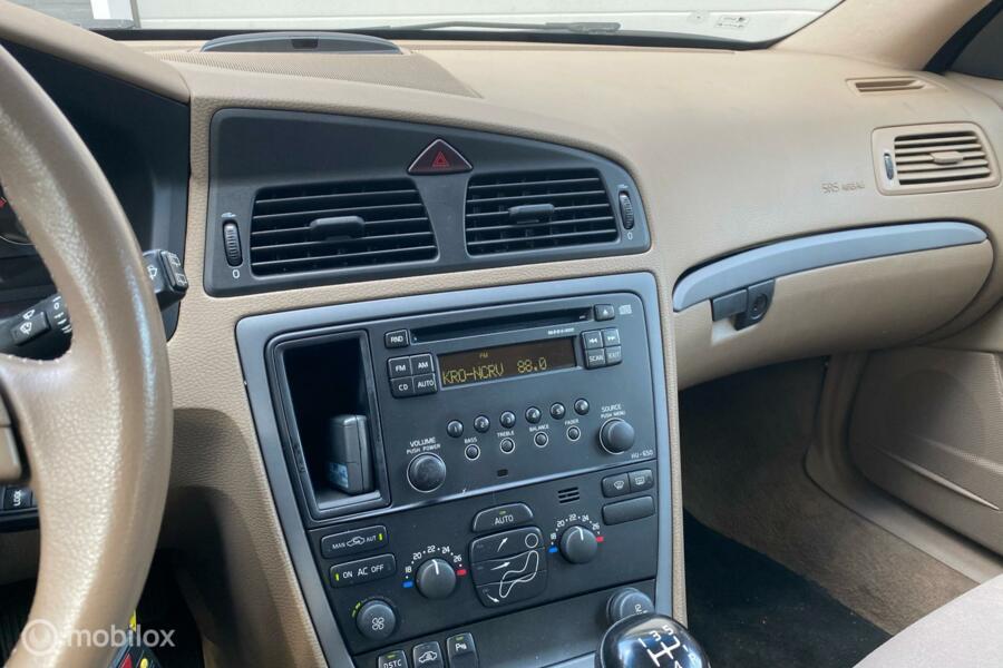 Volvo V70 2.4D Kinetic/ Youngtimer/ Trekhaak