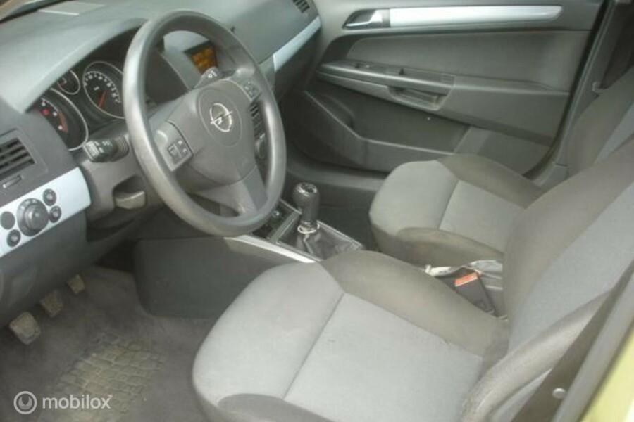 Opel Astra - 1.7 CDTI AIRCO