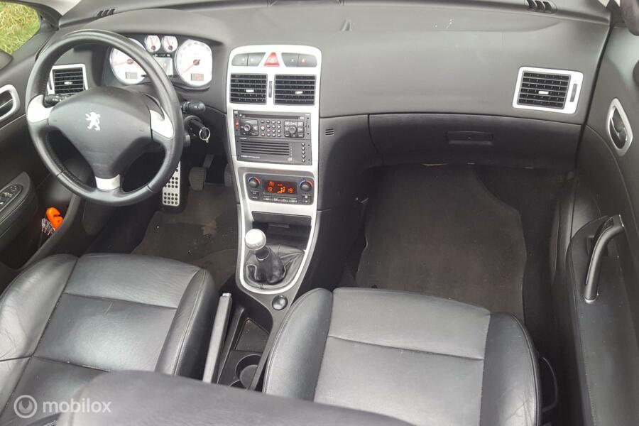 Peugeot 307 CC 2.0-16V Sport