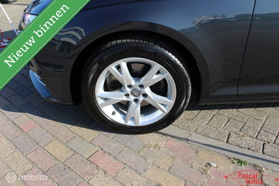 Audi A4 Avant 2.0 TDI Design Pro Line  panodak leer