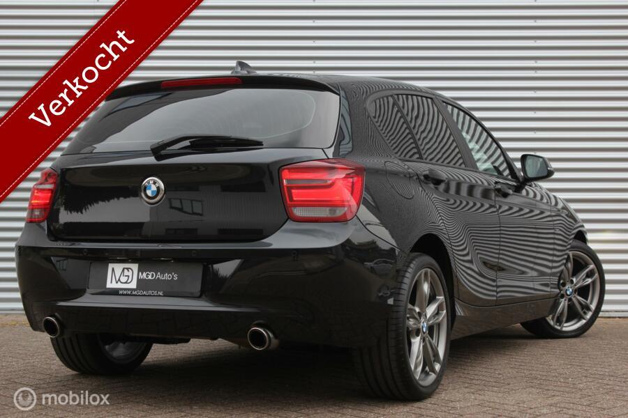 BMW 1-serie 116i Upgrade Edition /XENON/LED/LEDER/HARMAN-KARDON/STOELVERW./18'' VELGEN/PDC!