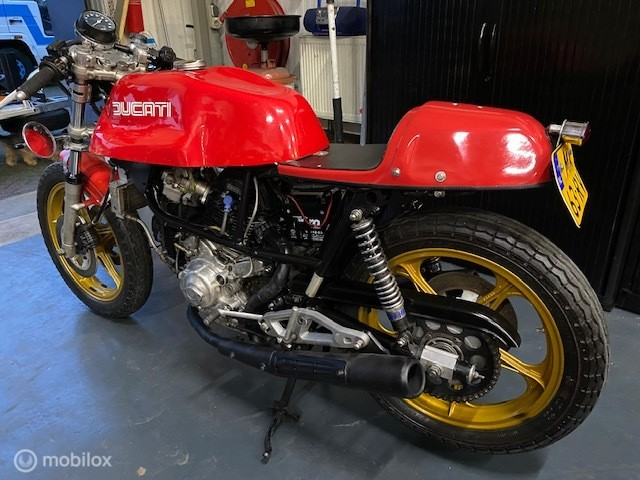 Ducati Sport 900 ss mike hailwood replica