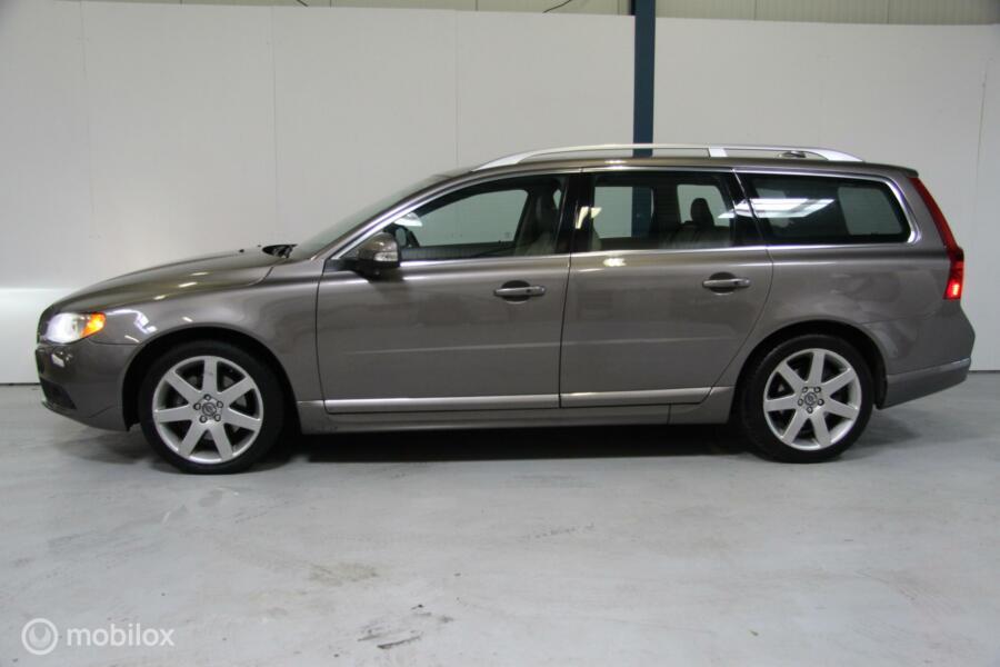 Volvo V70 3.0 T6 AWD Summum NAVI/LEER/SCHUIFDAK/XENON