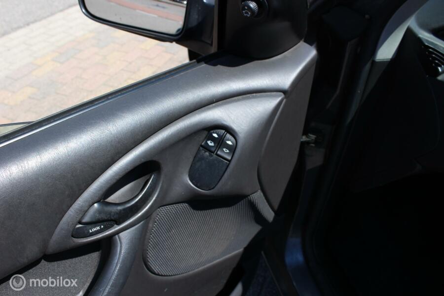 Ford Focus Wagon 1.6-16V Cool  airco nw apk NAP