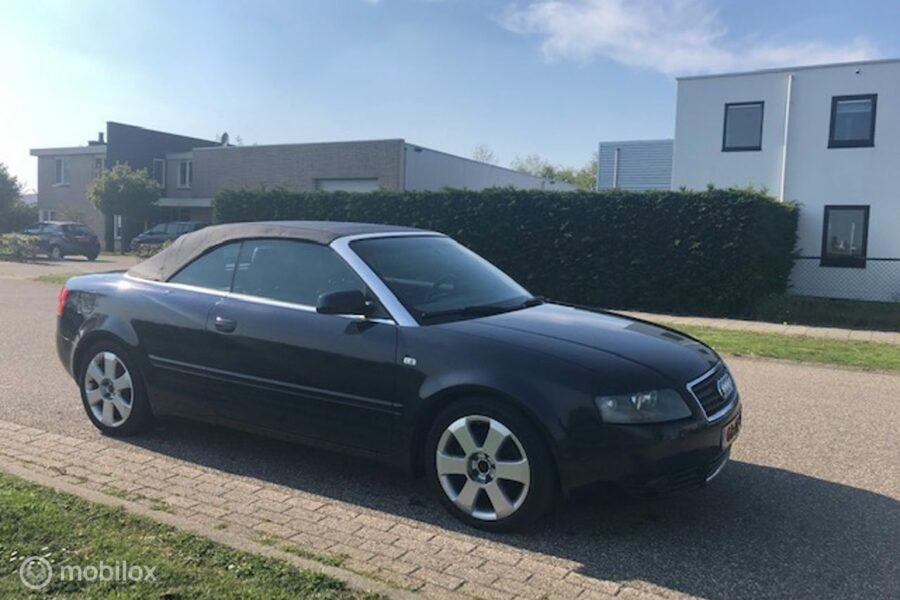 Audi A4 Cabriolet - 2.4 V6 Exclusive