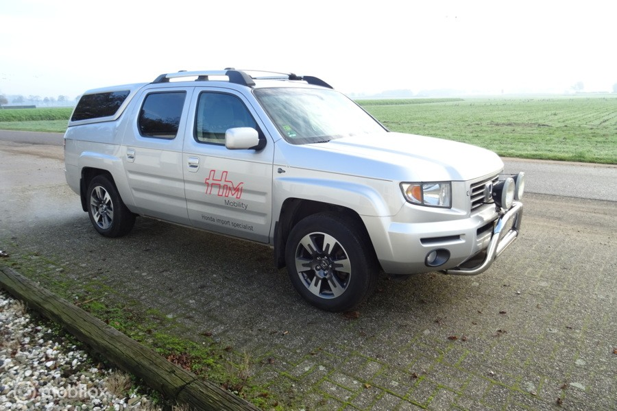Honda Ridgeline  RL pick-up