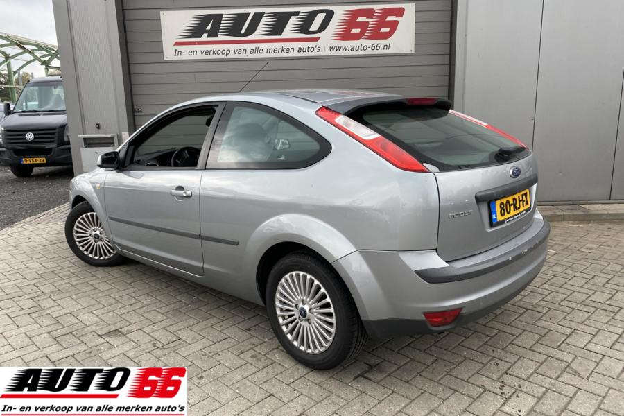 Ford Focus 1.6-16V First Edition