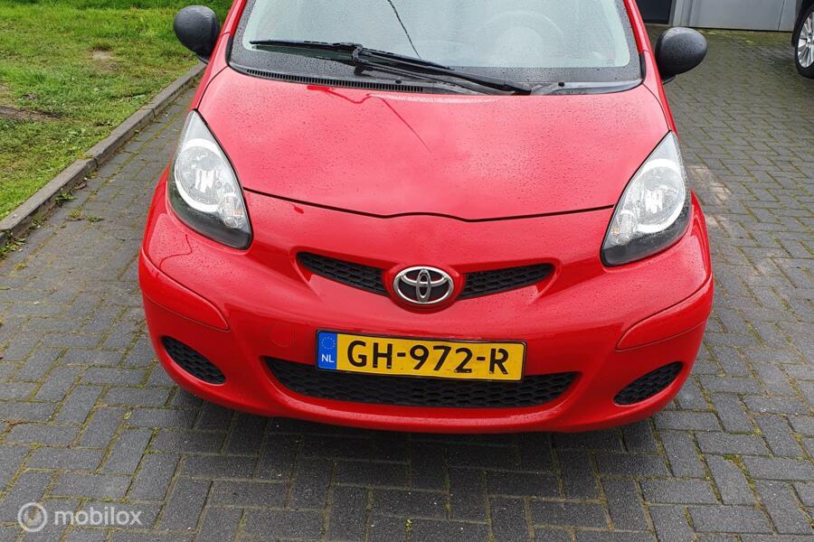Toyota Aygo 1.0-12V Now  VERKOCHT!!