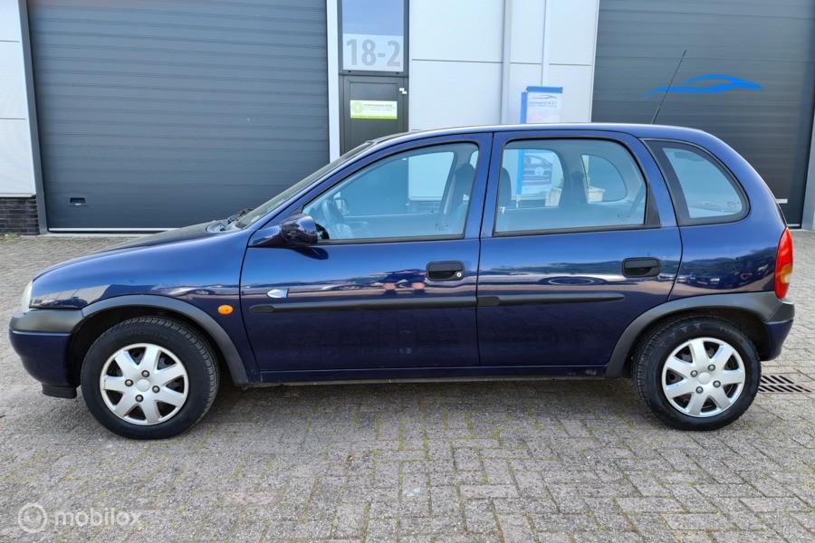 Opel Corsa 1.2i-16V Strada 5 deurs # Airco / Stuurbekr. / APK 5-2021 / ketting