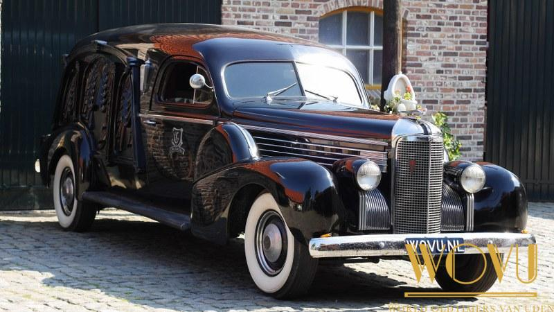 Cadillac  S&S Damascus carved hearse 1938
