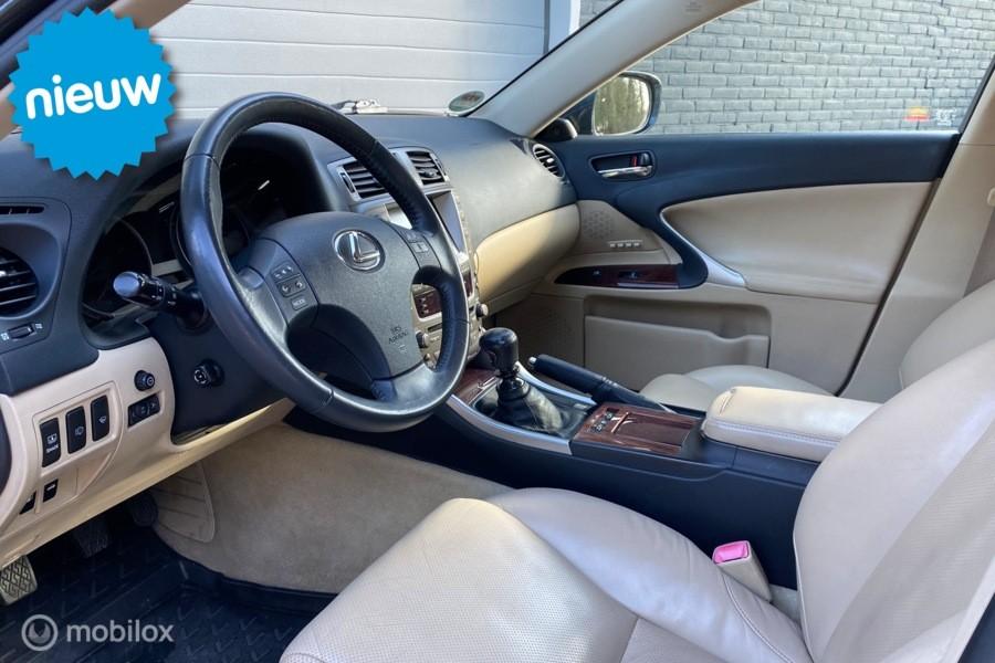 Lexus IS 250 Executive/ Xenon/ Navi/ Leder