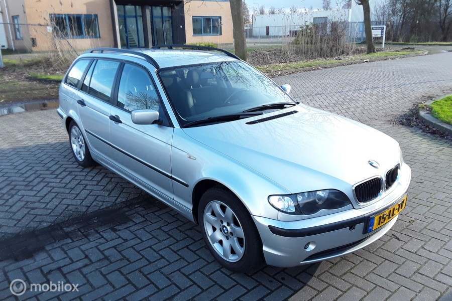 BMW 3-serie Touring 316i Black & Silver