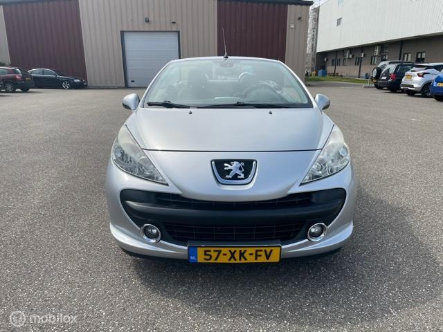 Peugeot 207 CC 1.6 VTi Première
