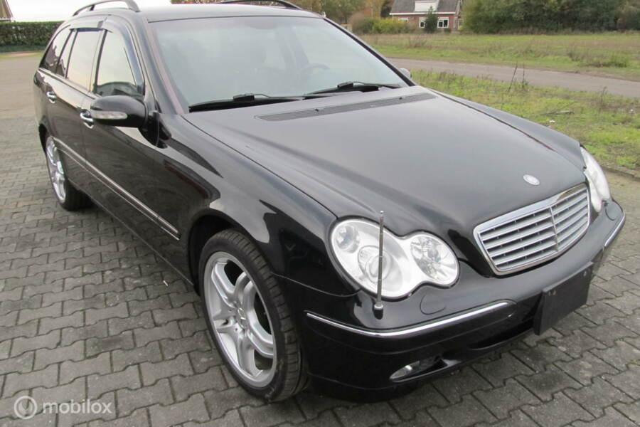 Mercedes-Benz C-klasse Combi 240 Avantgarde 4Matic 74221 KM