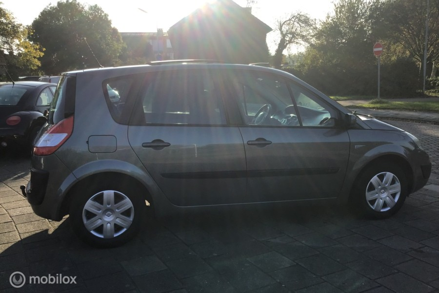 Renault Scenic 1.6 -16V Expr.Luxe