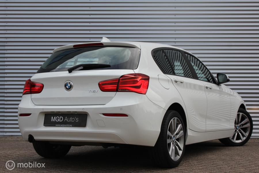 BMW 1-serie 116i /LED/NAVI/CRUISE/BLUETOOTH/STOELVERW./PDC/APPS!