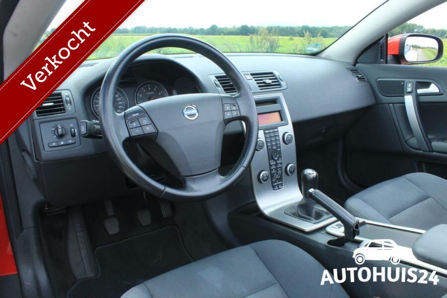 Volvo C70 2.4 Kinetic #PassionRed #Verkocht!