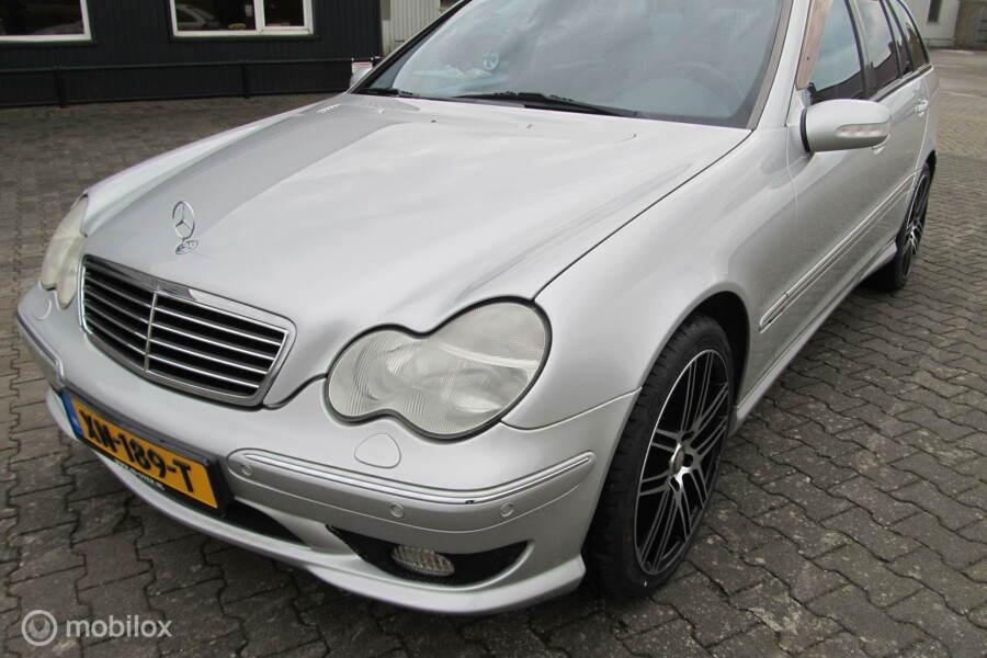 Mercedes C 32 amg pakket, nieuwe set banden en velgen, C320