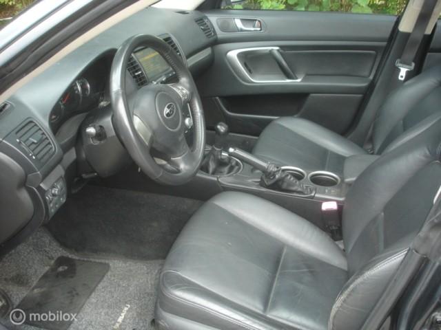 Subaru Outback 2.0 D  4X4  Navi Leer Airco Verstuiver defect