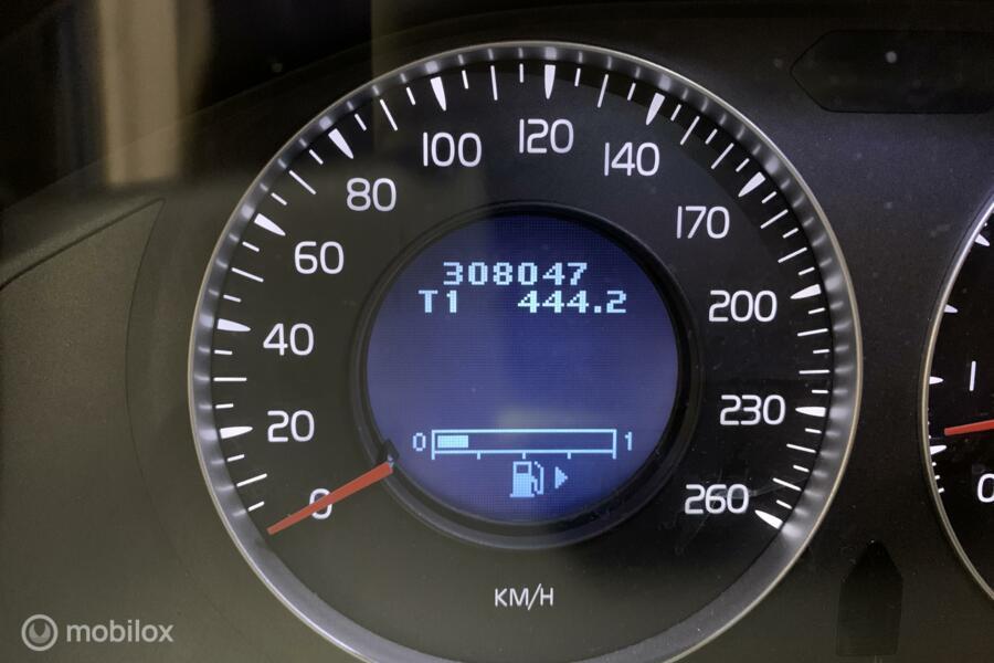 Volvo XC70 3.2 Summum - dealer ond. - org. NL - schuifdak