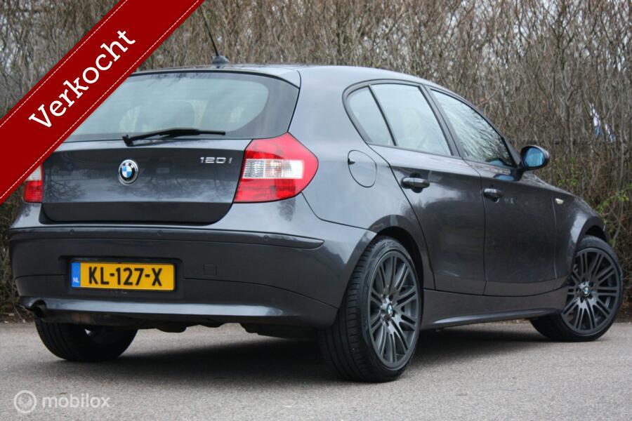 Youngtimer BMW 1-serie 120i AUTOMAAT High Exec | bruin leer