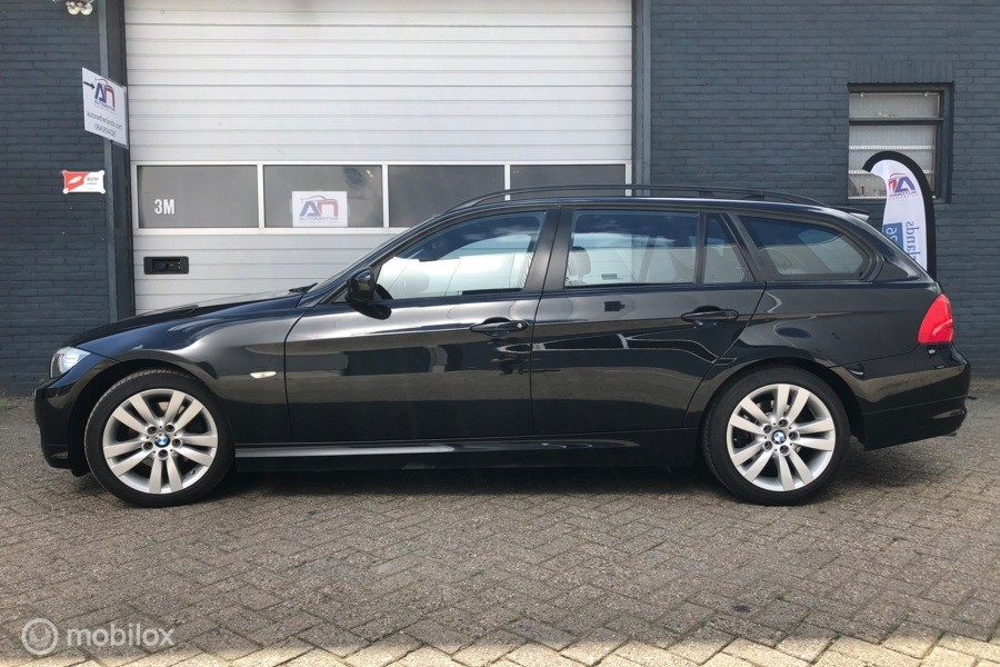 BMW 3-Serie 320i 170 pk, navi, 17 inch, 2 eig goed