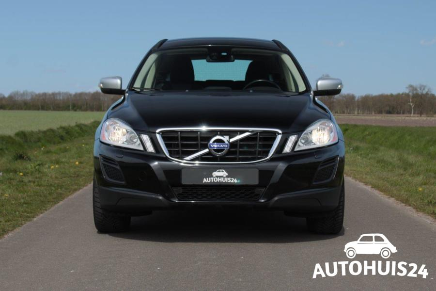 Volvo XC60 2.4D 163pk AWD AUTOMAAT Momentum #Verkocht!